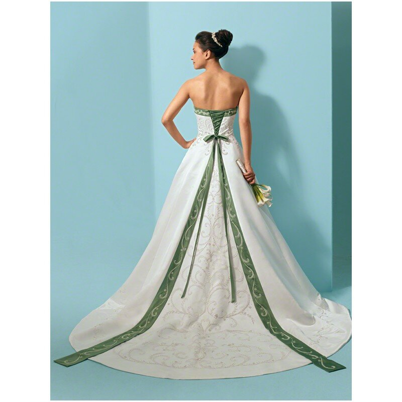 Embracing trendy green wedding dresses pictures ideas for Alfred angelo black and white wedding dress