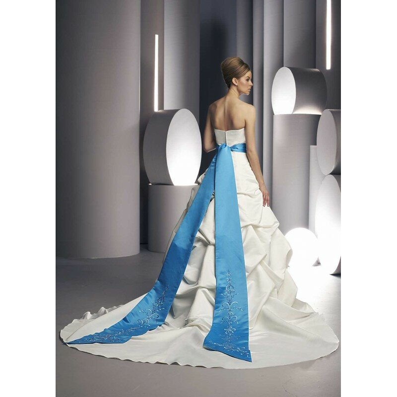 Light blue wedding dress Photo - 12