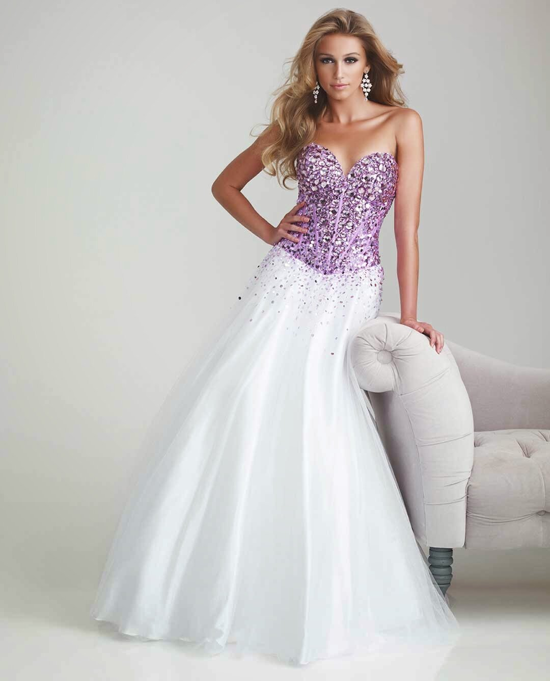 Purple and white wedding dresses Photo - 12