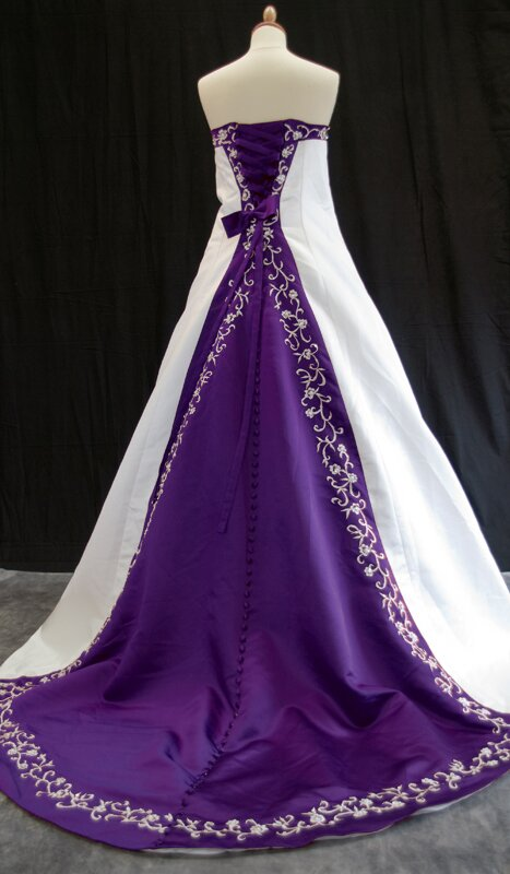 Purple and white wedding dresses Photo - 3
