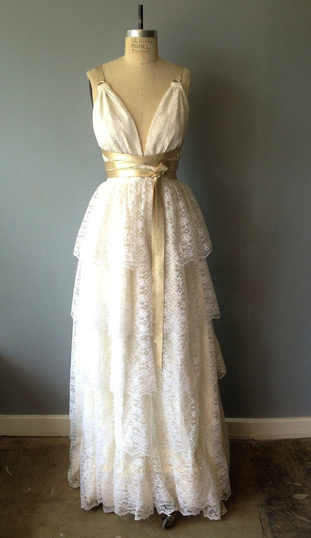 timeless retro wedding dresses for your vintage dream wedding