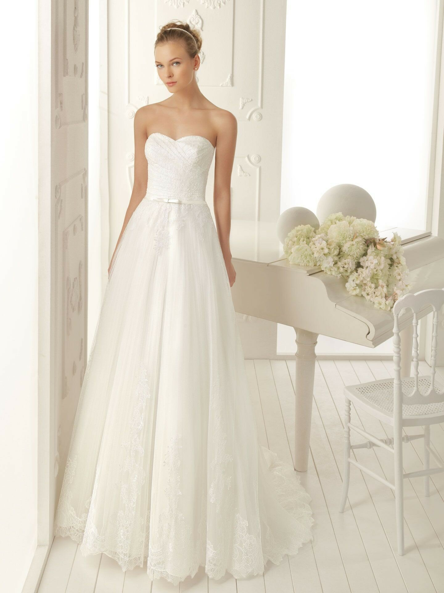 A line style wedding dresses Photo - 4