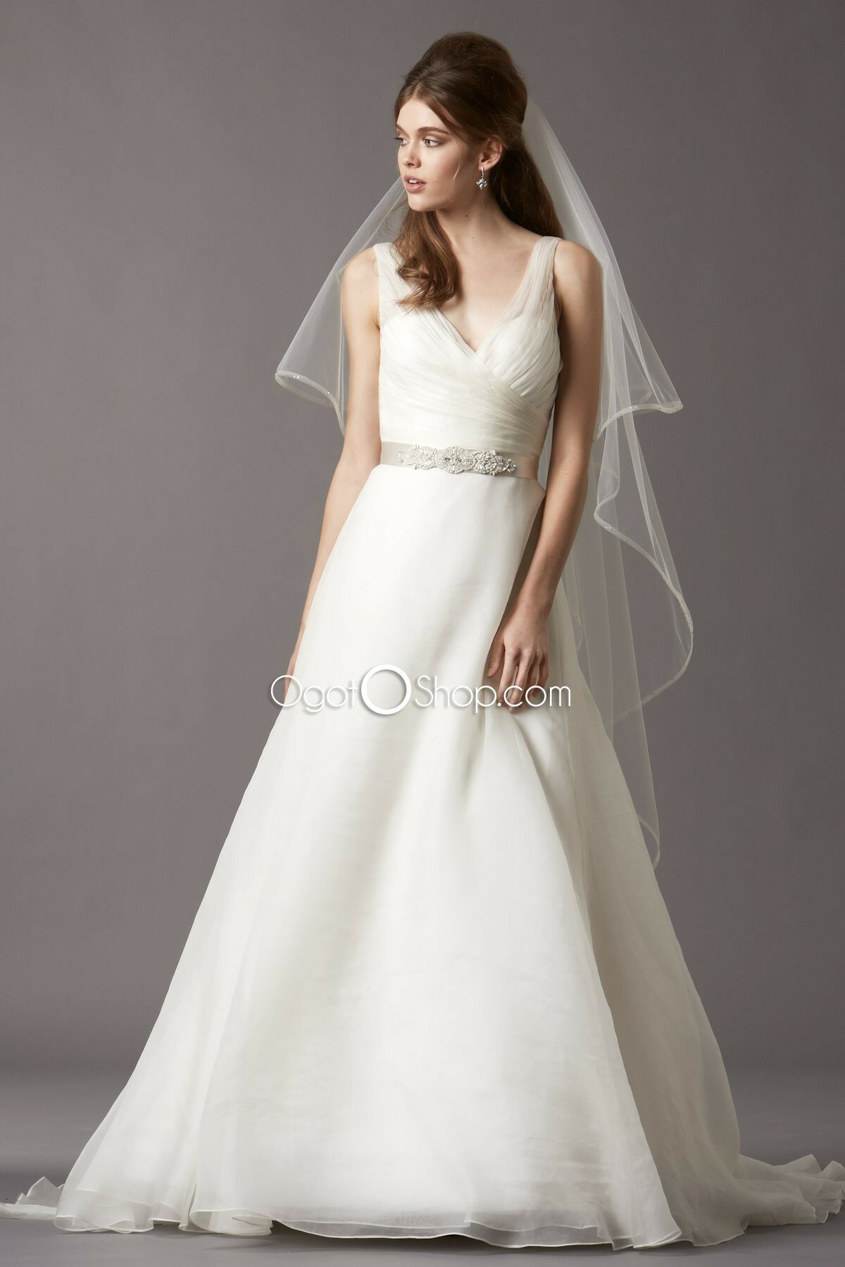 Wedding dresses a line with straps flower girl dresses for Where to buy cheap wedding dresses online