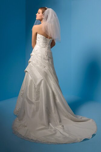 Alfred Angelo beach wedding dresses Photo - 2