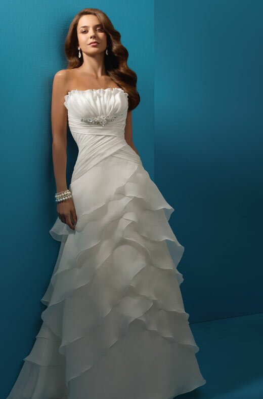 Alfred Angelo beach wedding dresses Photo - 6