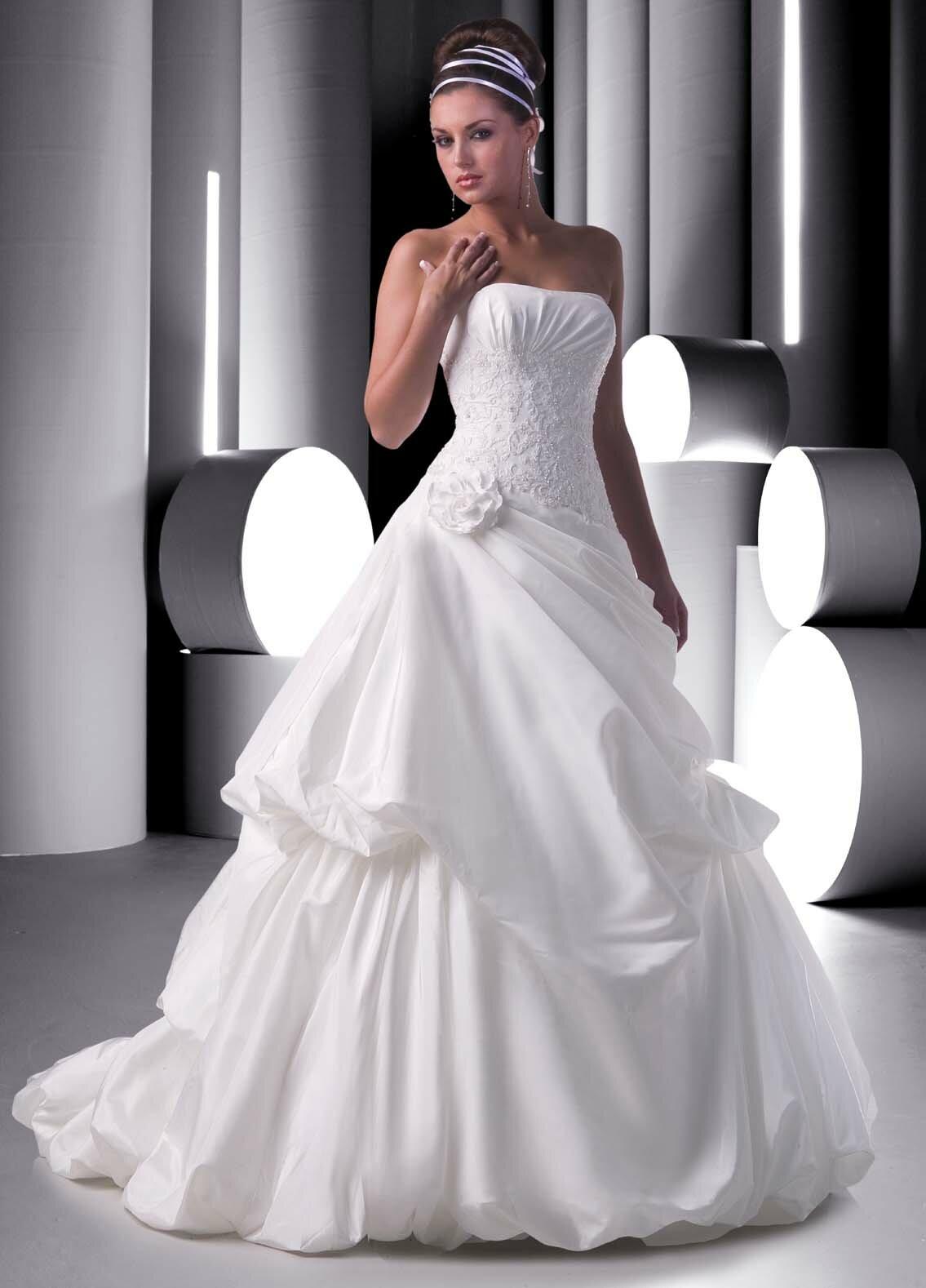 all white wedding dresses photo 6 all white wedding dress All white wedding dresses Photo 5