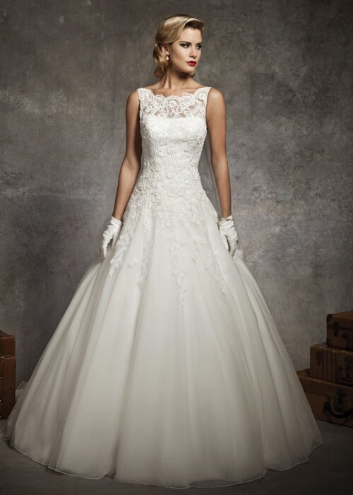 Audrey hepburn wedding dresses pictures ideas guide to for Audrey hepburn inspired wedding dress
