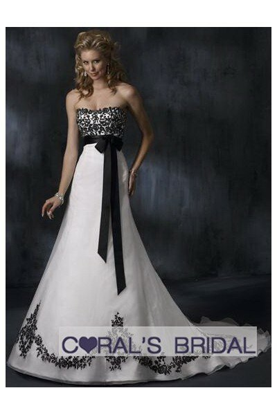 Black and white corset wedding dresses: Pictures ideas, Guide to ...