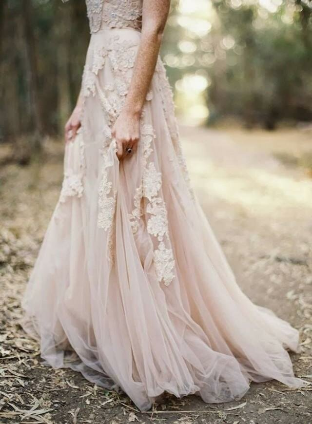 Blush wedding dresses Photo - 2