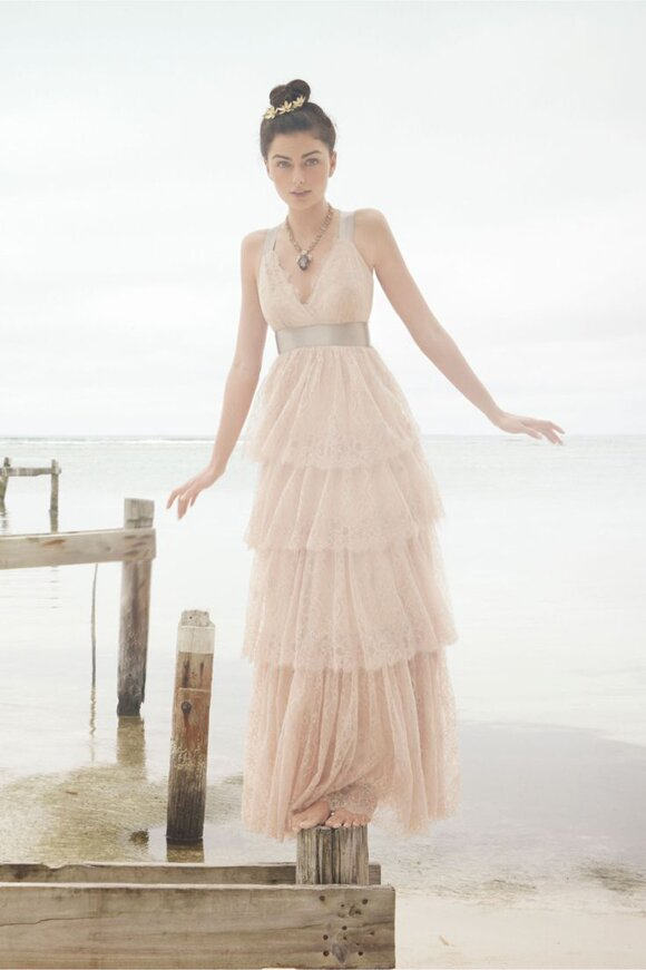 Blush wedding dresses Photo - 4