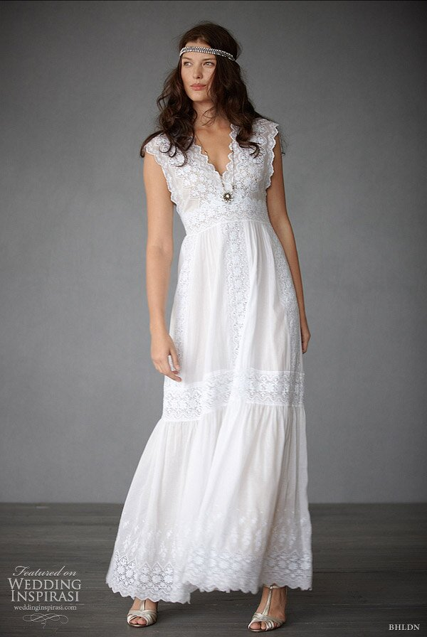 Casual wedding dresses short: Pictures ideas, Guide to buying ...