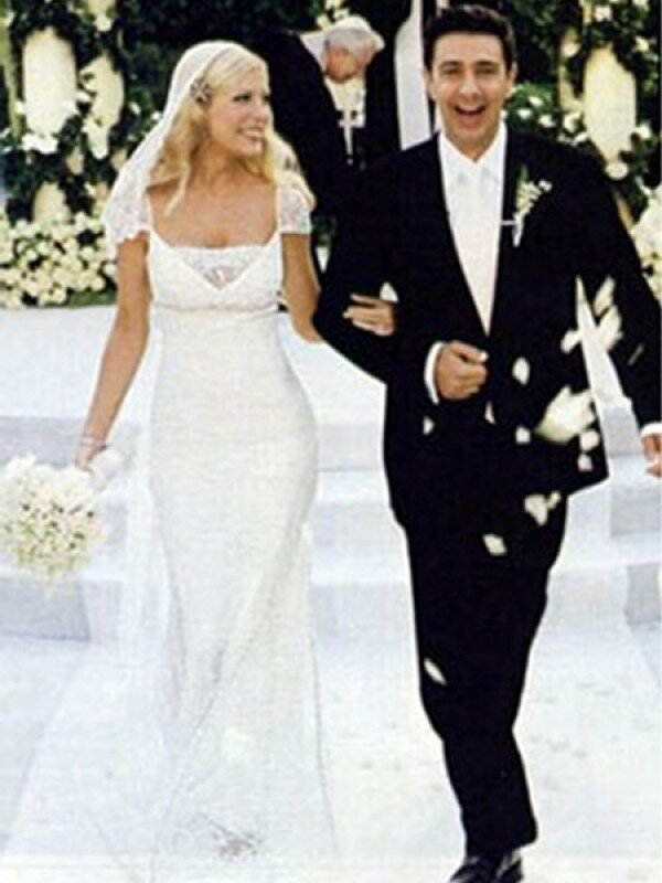 On this Day  31st July 2000  Brad and Jennifer tie the