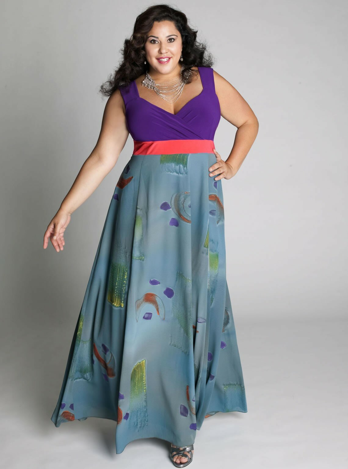 Plus size dresses for weddings: Pictures ideas, Guide to buying ...