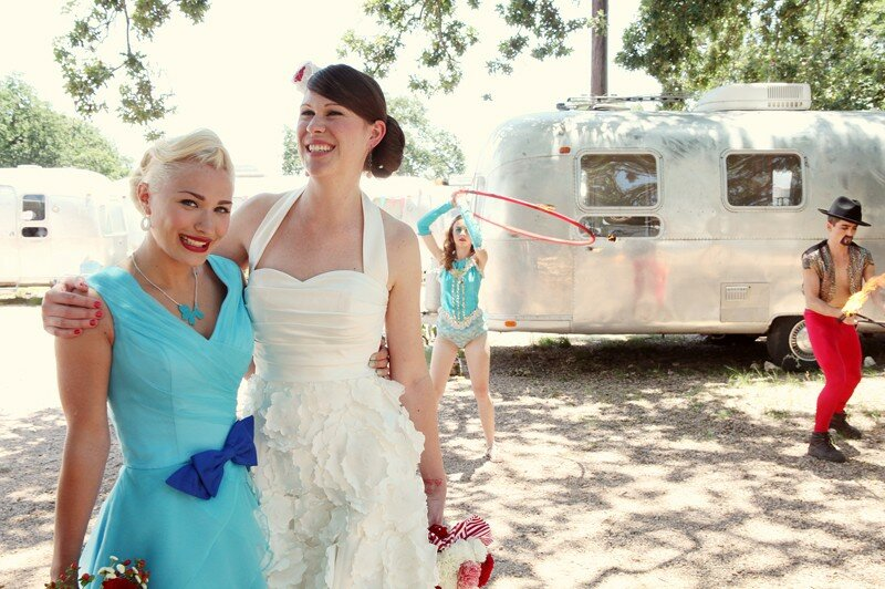 Retro inspired wedding dresses Photo - 7