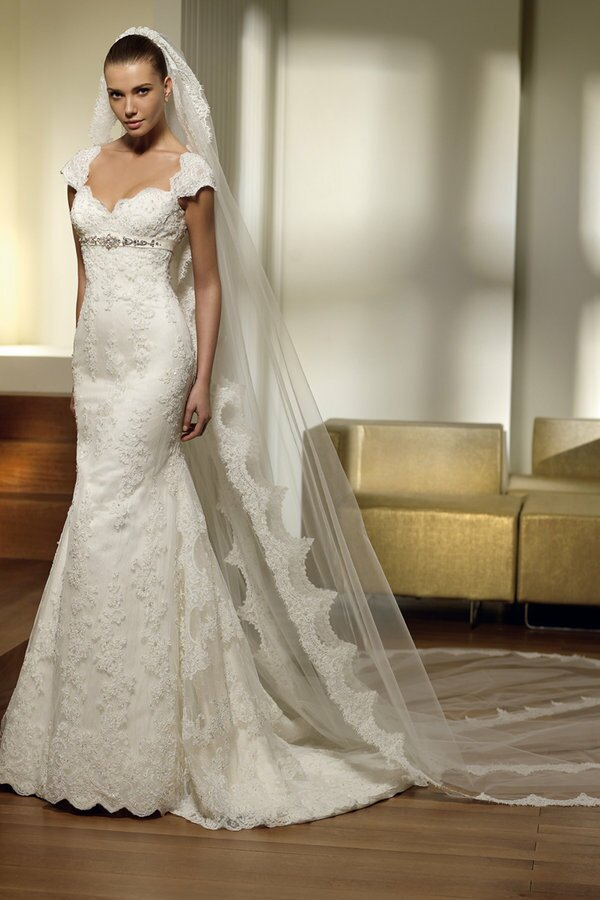 Spanish wedding dresses: Pictures ideas, Guide to buying — Stylish ...