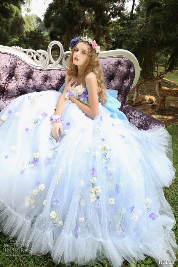Summer style wedding dresses Photo - 3