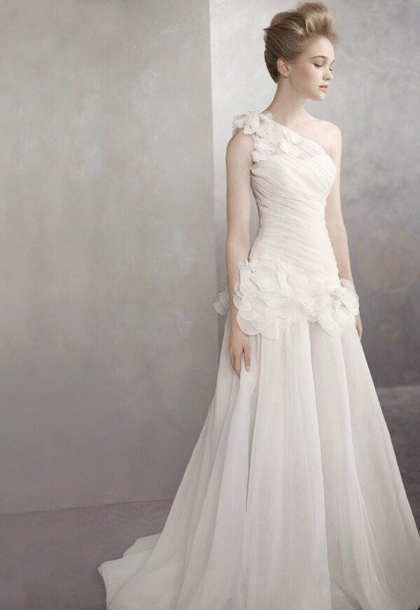 One Shoulder Vera Wang Wedding Dress