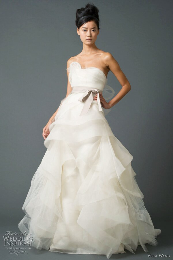 Vera Wang strapless wedding dresses: Pictures ideas, Guide to buying ...