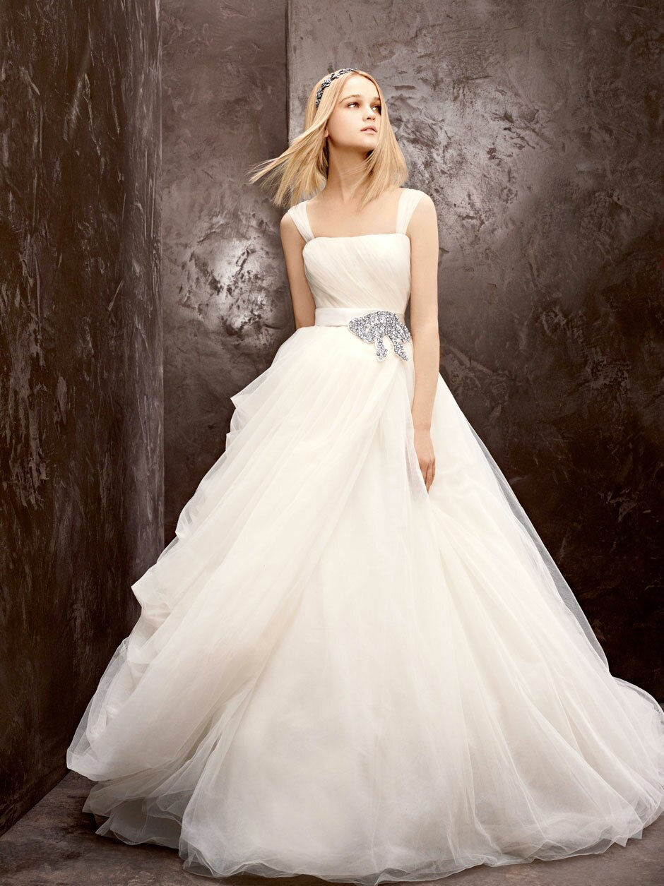 домашних условиях свадебное платье от веры вонг поступающее объявление проходит