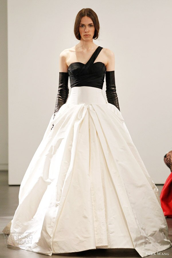 Vera wang wedding dresses 2014 pictures ideas guide to for Vera wang 2014 wedding dress