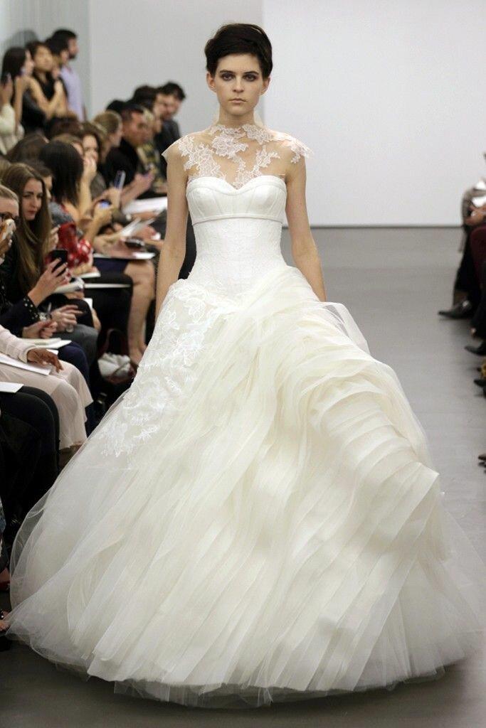 photos of vera wang wedding dresses