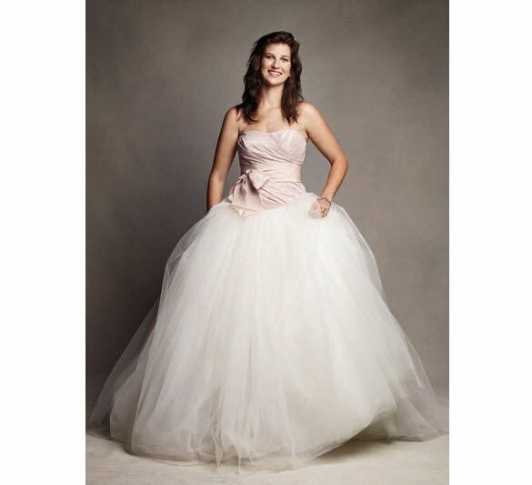 Vera wang wedding dresses chicago pictures ideas guide for Vera wang rental wedding dresses