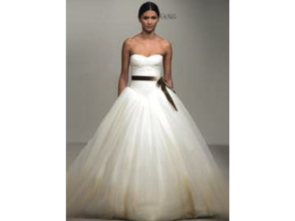 Vera wang wedding dresses patterns pictures ideas guide for Vera wang tea length wedding dress