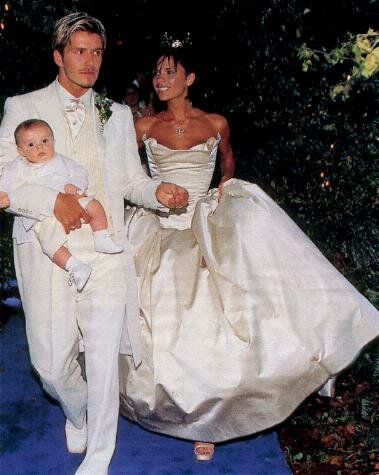 Victoria Beckham wedding dresses Photo - 4