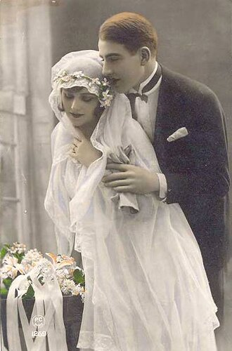 Vintage wedding dresses company Photo - 7