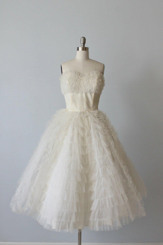 Vintage wedding dresses mn high cut wedding dresses for Wedding dress shops twin cities