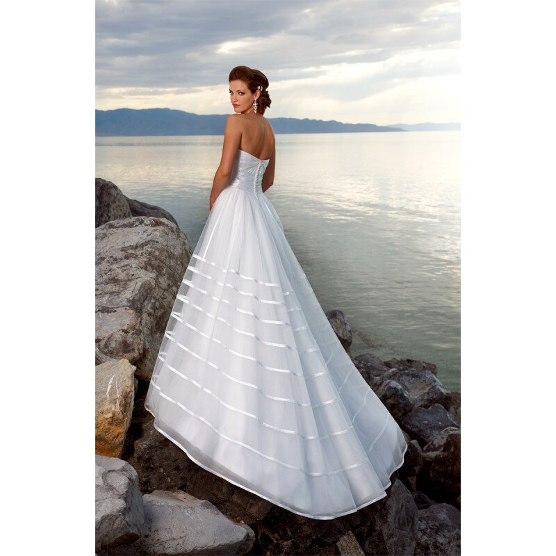 wedding dresses for a beach ceremony pictures ideas