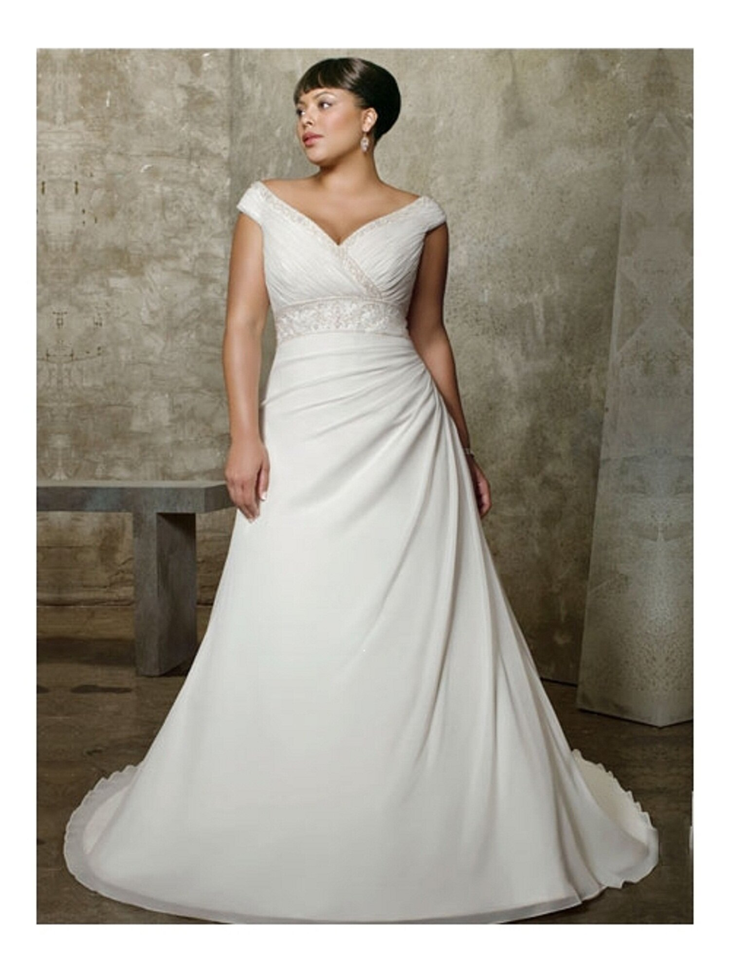Wedding dresses for big girls: Pictures ideas, Guide to buying ...