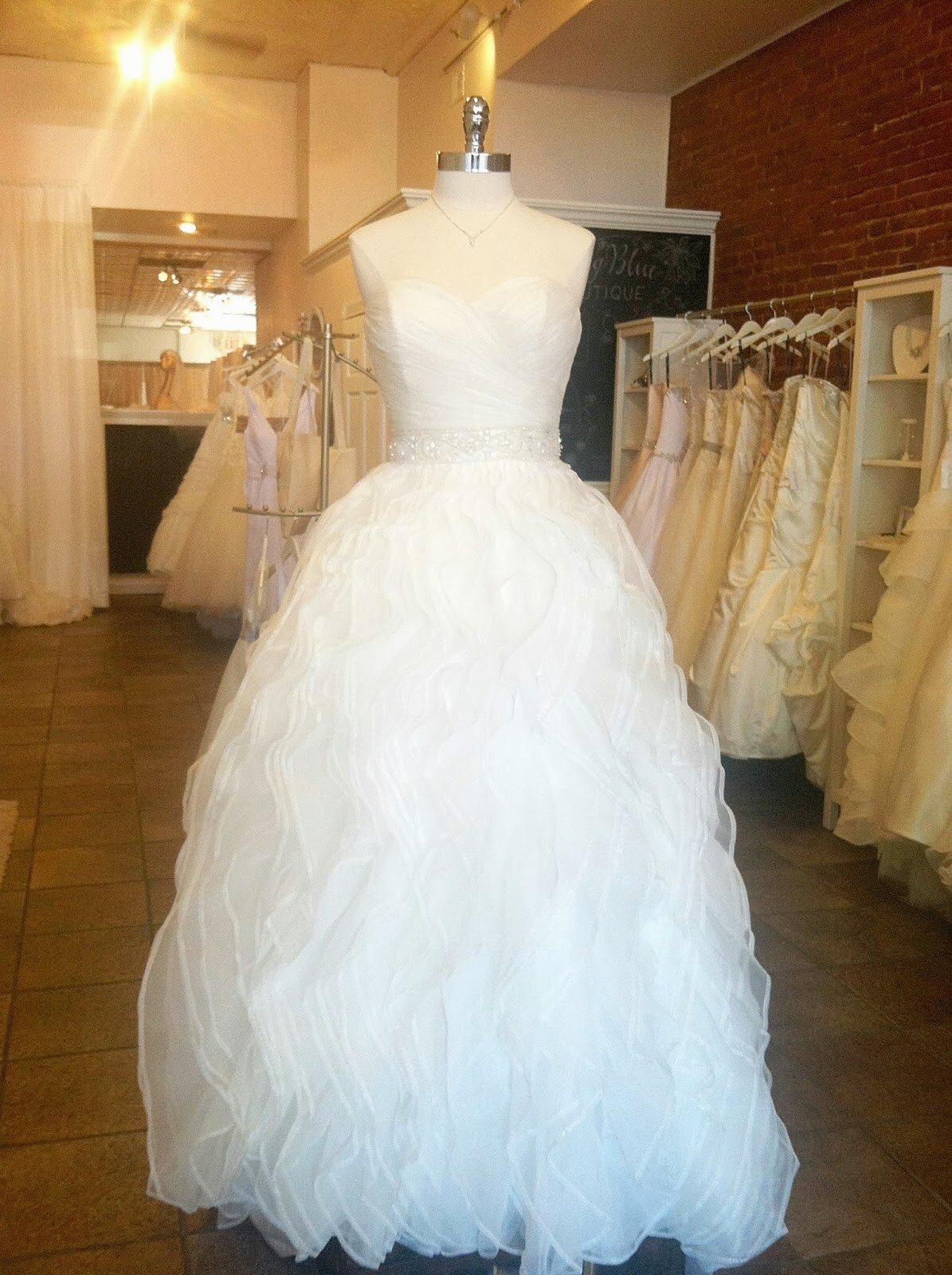 Wedding dresses for curvy girls Photo - 9