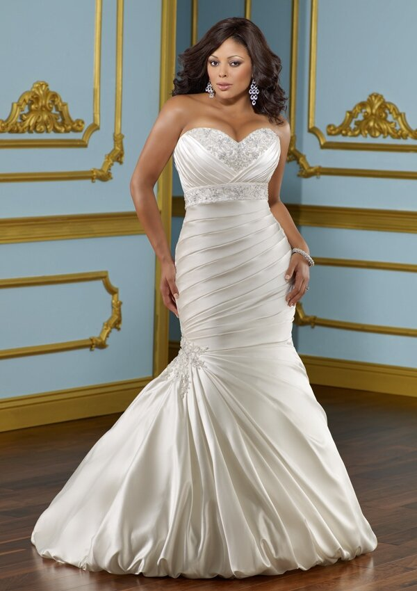 Wedding dresses for curvy girls Photo - 6