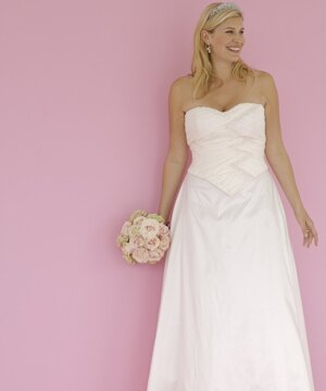 Wedding dresses for curvy girls Photo - 7