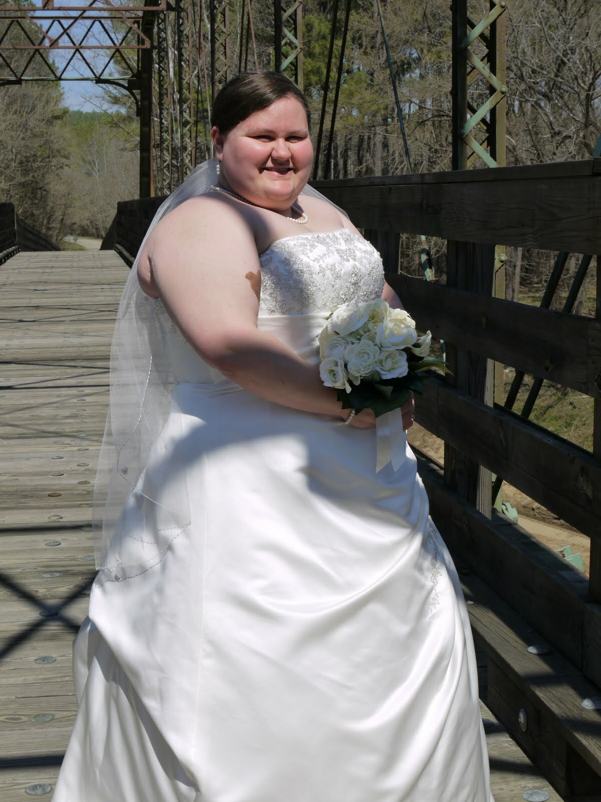 Wedding dresses for fat girls pictures ideas guide to for Girls dresses for a wedding