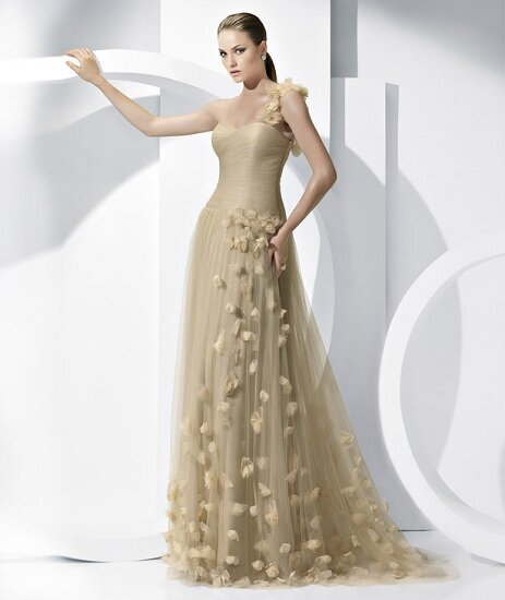 2fc6577a7a8e Change your style. Look for something new for yourselves. Wedding dresses  for over 50 brides photo - 1