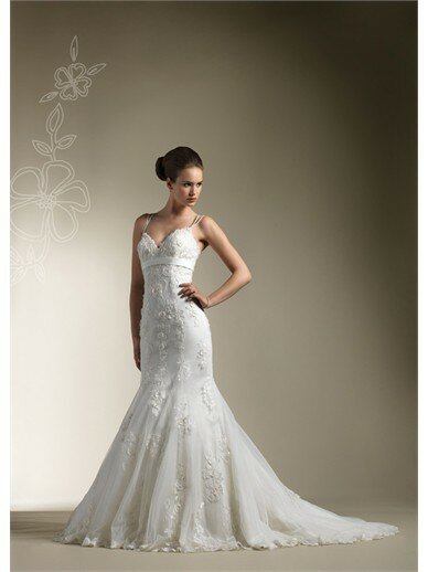 Wedding dresses for petite girls pictures ideas guide to for Best wedding dresses for petites