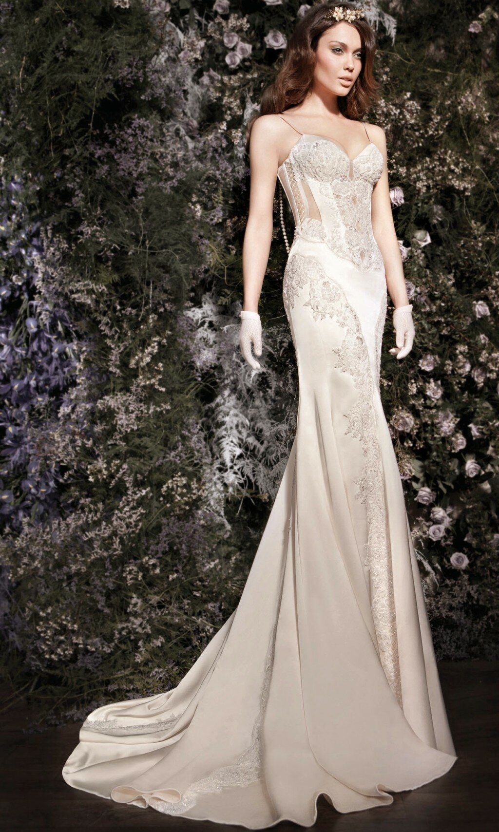 wedding dresses for petite women: pictures ideas, guide to buying