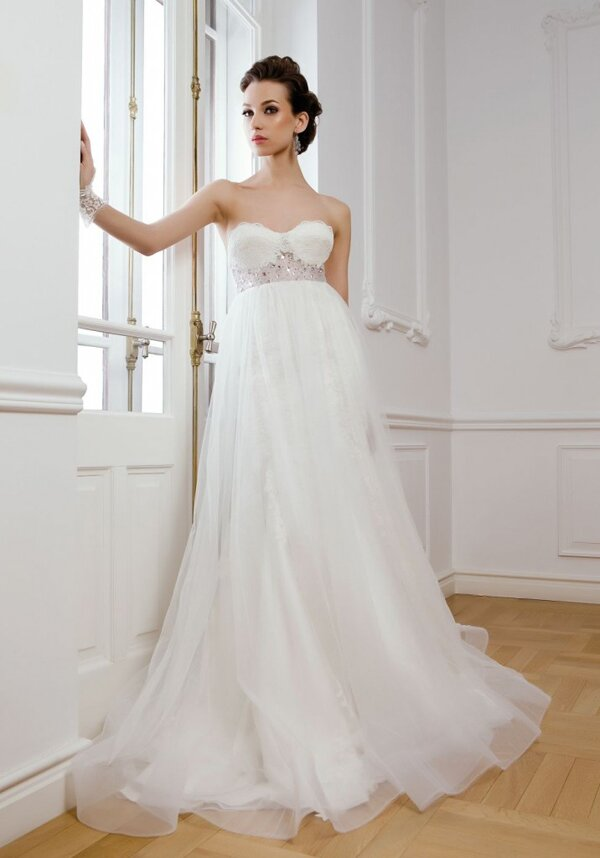 Wedding dresses for pregnancy: Pictures ideas, Guide to buying ...