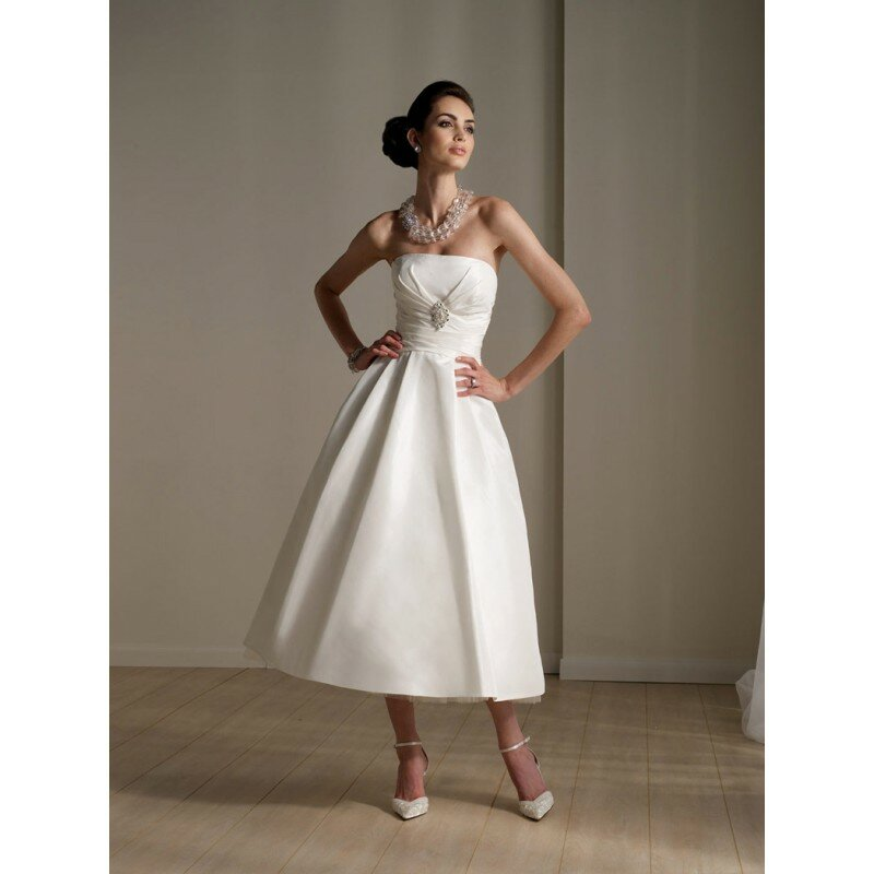 Wedding dresses for small weddings Photo - 10