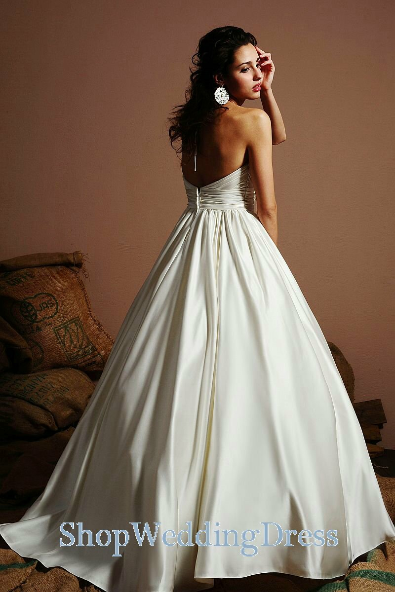 Wedding dresses for small weddings Photo - 7