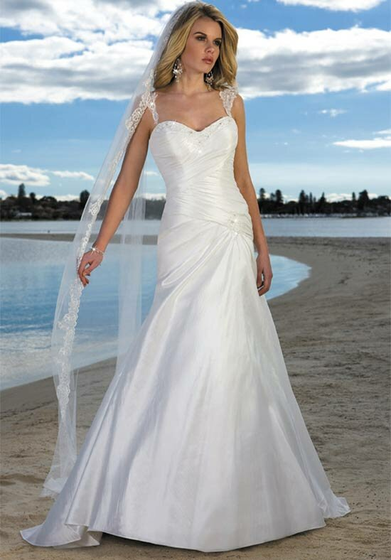 Wedding dresses for the beach style Photo - 2