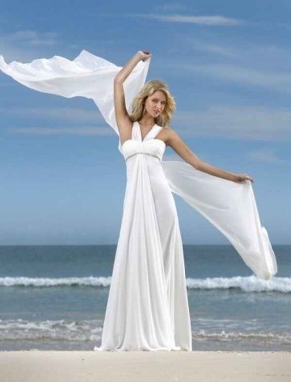 Wedding dresses for the beach style Photo - 4