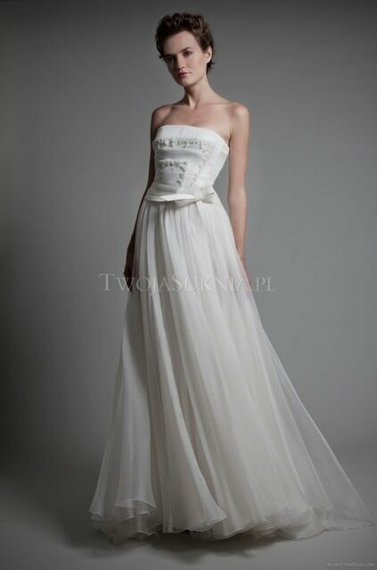 Wedding dresses for the second time around Photo - 10