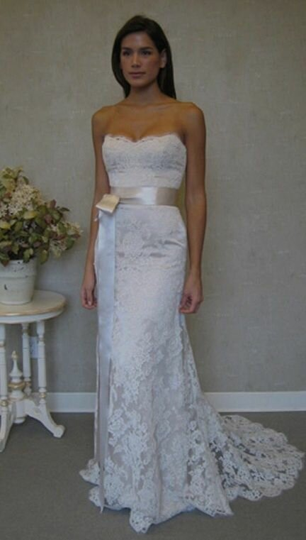 wedding dresses for vow renewals pictures ideas guide to buying stylish wedding dresses. Black Bedroom Furniture Sets. Home Design Ideas