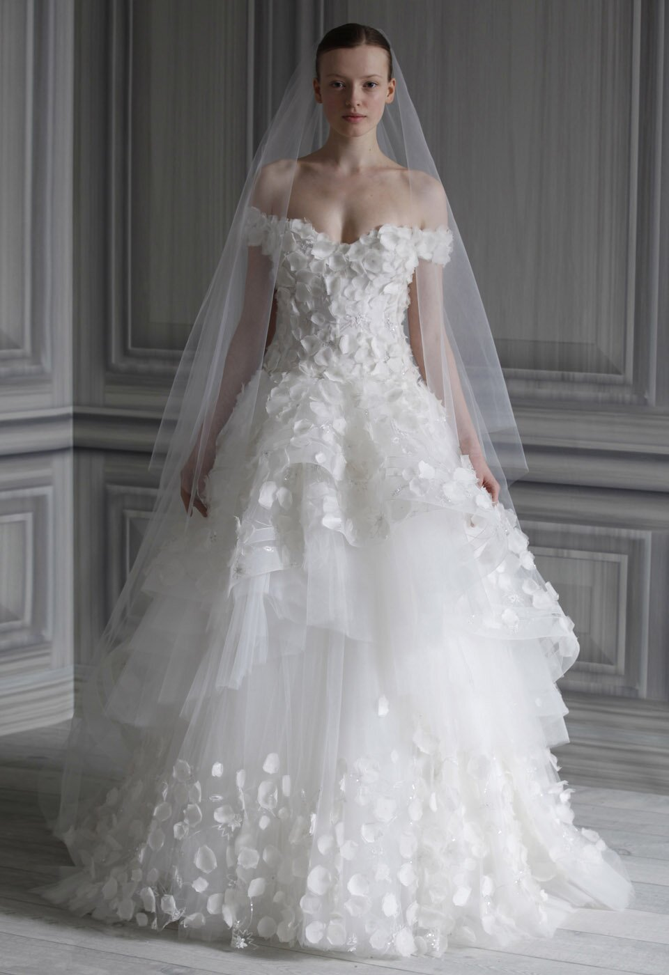 Wedding dresses for winter Photo - 2