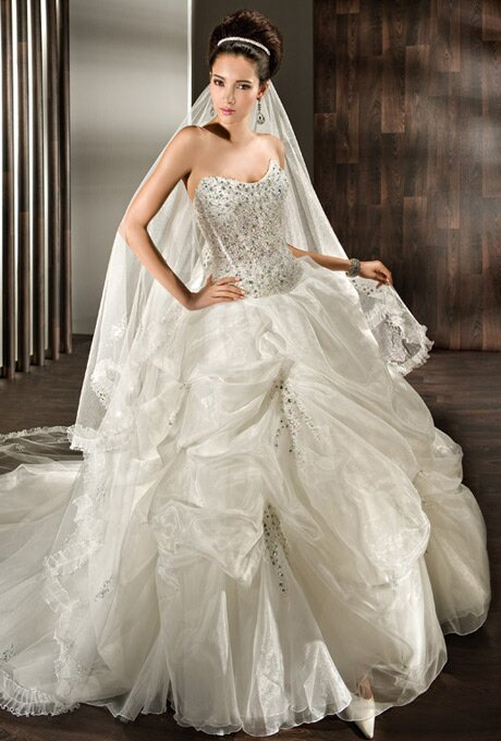 Wedding dresses for young brides photo 2 browse for Wedding dresses for young brides