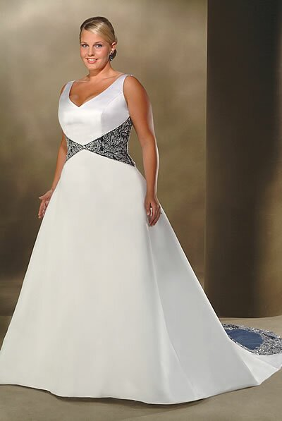 Wedding dresses plus size with sleeves Photo - 9