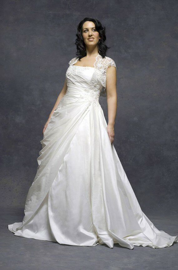 Wedding dresses plus size with sleeves Photo - 8